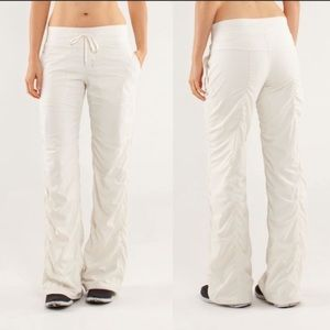 EUC 🍋 Lululemon Lined Studio Pants